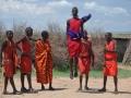 Massais tanzen und springen