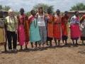 Nassai Frauen mit Touristen
