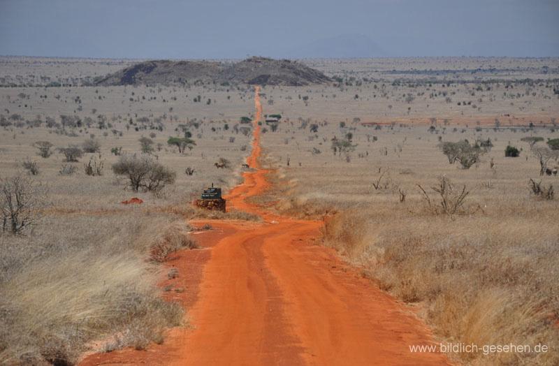 ke13-361-kenia-taita-hills-rote-piste