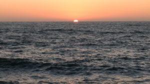 Letzter Sonnenuntergang durch Spurt vom Restaurant